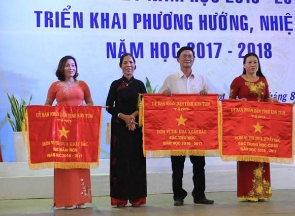 Hội nghị tổng kết nhiệm vụ năm học 2016-2017 và triển khai nhiệm vụ trọng tâm năm học 2017-2018