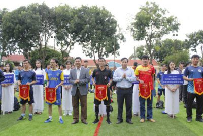 Khai mạc giải bóng đá chào mừng Ngày Nhà giáo Việt Nam 20/11