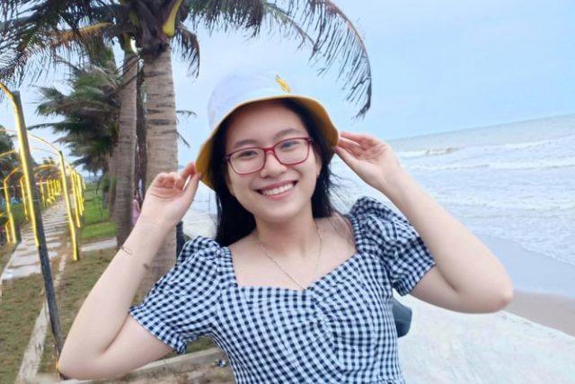 Gặp nữ sinh Trường THPT Chuyên Nguyễn Tất Thành Kon Tum là thủ khoa khối D1 toàn quốc năm 2021