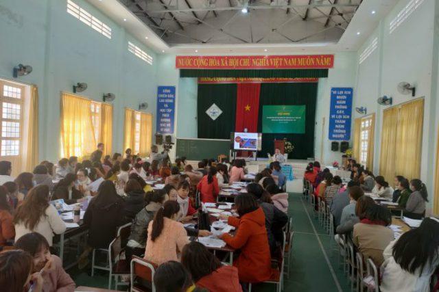Tập huấn dạy học Tiếng Anh theo hướng phát triển năng lực và phẩm chất