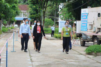Phó Chủ tịch UBND tỉnh Y Ngọc kiểm tra công tác thi tốt nghiệp THPT tại thành phố Kon Tum