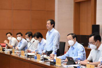 Bộ trưởng Nguyễn Kim Sơn: 'Đây là năm học khắc phục khó khăn thử thách…'