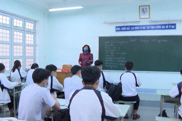 Các trường học chấp hành tốt công tác phòng chống dịch Covisd-19 trong ngày dầu đi học trở lại