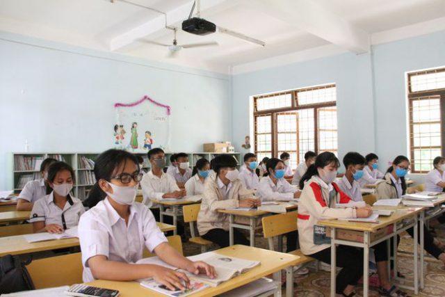 Các trường học chấp hành công tác phòng, chống dịch Covid – 19 trong ngày đầu đi học trở lại