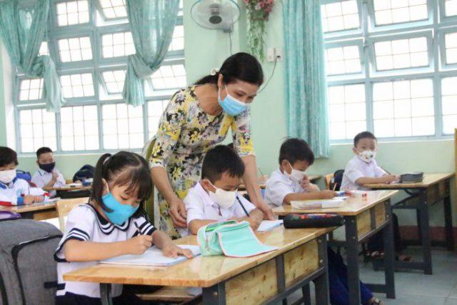 """Kon Tum: Gần 500 cán bộ, giáo viên tình nguyện tham gia """"Giờ học yêu thương"""""""