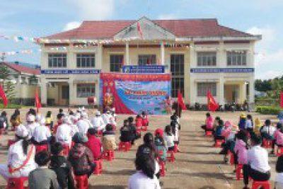 Kon Tum: Khai giảng năm học mới diễn ra thuận lợi và ý nghĩa