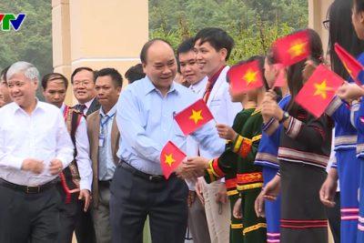 Thủ tướng Nguyễn Xuân Phúc dự lễ khai giảng năm học mới tại Kon Tum