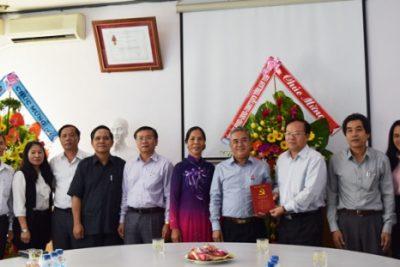 Thường trực Tỉnh ủy thăm, chúc mừng Sở Giáo dục và Đào tạo nhân kỷ niệm ngày 20/11